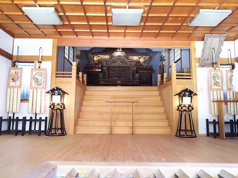 意賀美神社 拝殿内