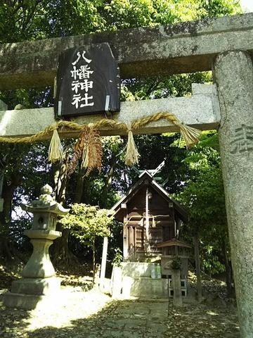 八幡神社 鳥居と社殿