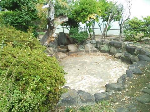 大聖勝軍寺 守屋池