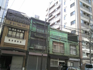 16古い建物秋葉