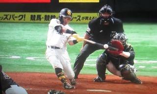 1イニング8得点の仕上げは中村晃の2ラン