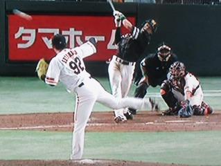 柳田のタイムリー3塁打で突き放します