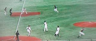 ピッチャーゴロで3塁アウトかと思いましたが、