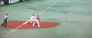 3塁に到達するまではボールはまだこの位置