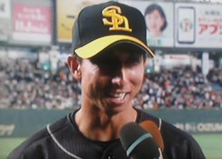 自身初の満塁ホームランで笑顔に答える福田