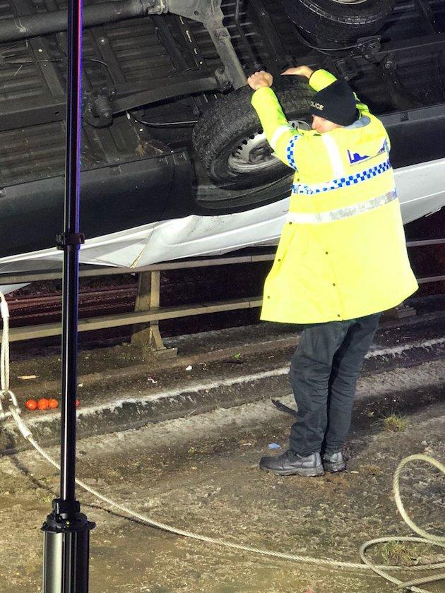 警察 警官 ヒーロー 交通事故に関連した画像-03