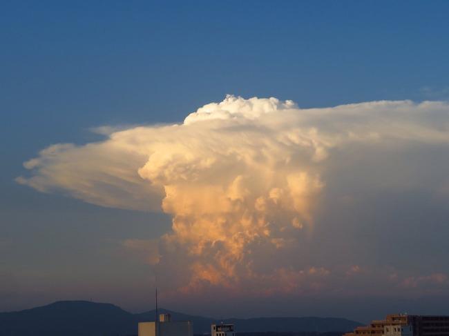 天気の子 雲 実在 積乱雲 かなとこ雲 新海誠に関連した画像-05