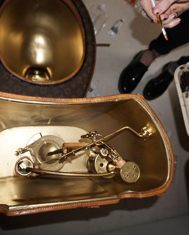 トイレ 高級 ルイ・ヴィトン 解体に関連した画像-07