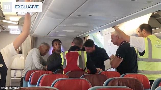 国外追放 難民 美談 犯罪者に関連した画像-03