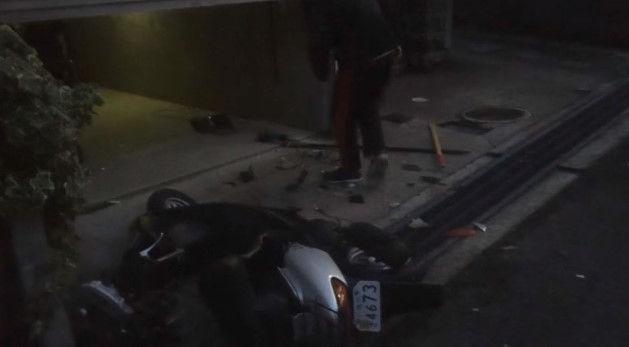 PS4 破壊 親父 ハンマー たむちん 逆襲 原付バイクに関連した画像-11