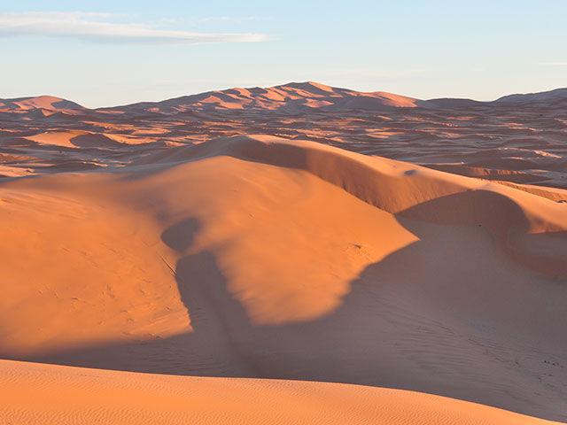 サハラ砂漠 雪 降雪 幻想風景に関連した画像-01