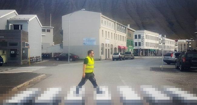 横断歩道 トリックアート アイスランドに関連した画像-01