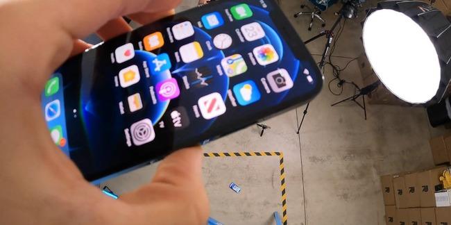 iPhone12 iPhone12Pro 耐久力 チェック 落下実験に関連した画像-01