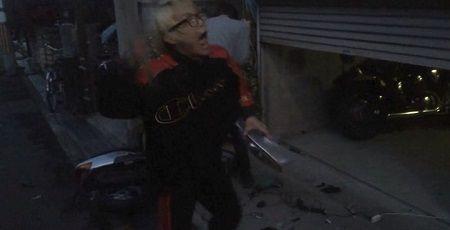 PS4 破壊 親父 ハンマー たむちん 逆襲 原付バイクに関連した画像-01