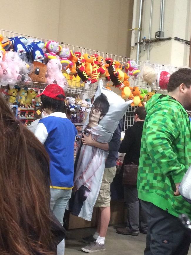 小島秀夫 抱きまくら 海外 メタルギアソリッドに関連した画像-04
