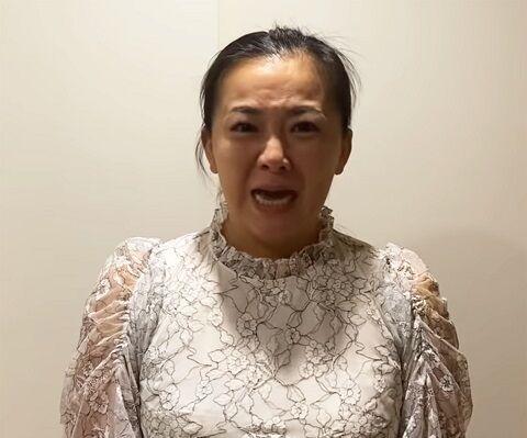 【炎上】華原朋美さん、高嶋ちさ子さんに紹介されたベビーシッターに子どもを逆さ吊りにされる→なぜか華原さんがYoutube上で謝罪する事態に