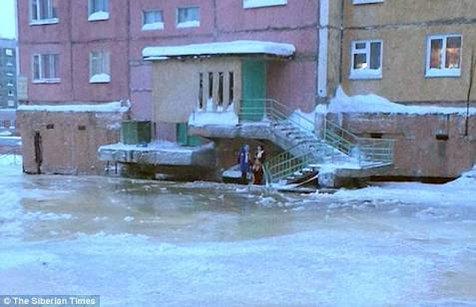 ロシア 凍結 破裂 水道管に関連した画像-04