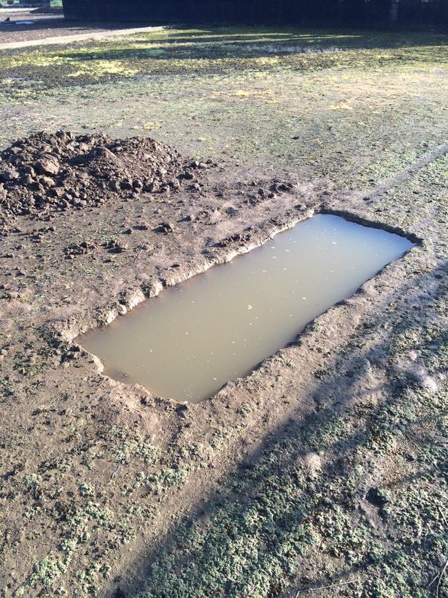 穴 車 整備 雨に関連した画像-06
