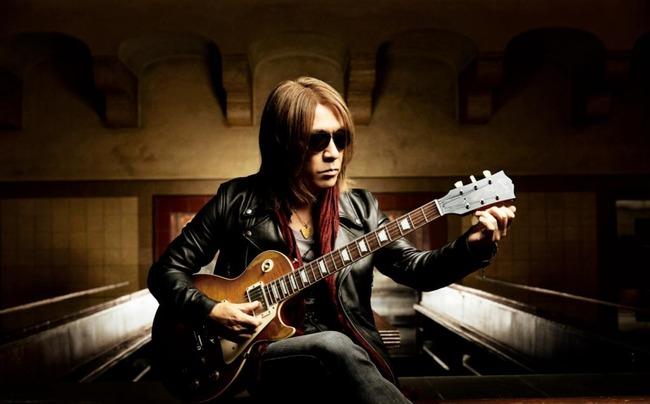 【朗報】行方不明だったB'z松本孝弘さんのギターがついに見つかり約20年ぶりの再会を果たす!
