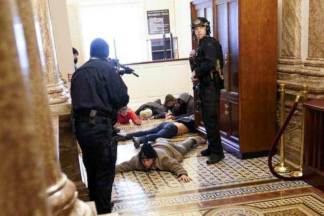 トランプ ワシントン アメリカ 大統領選 混乱 反乱 デモ バイデンに関連した画像-04