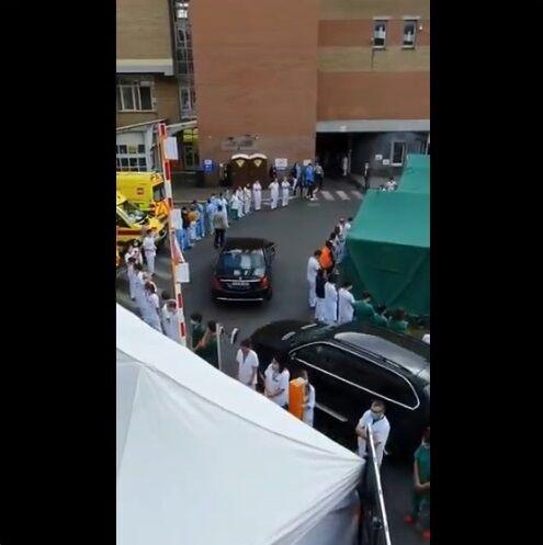 ベルギー ウィルメス首相 病院視察 医療従事者 抗議に関連した画像-05
