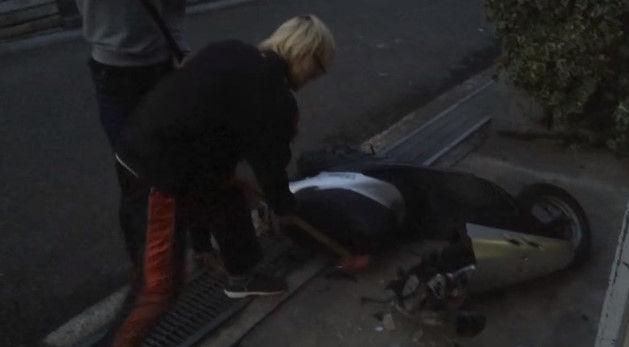 PS4 破壊 親父 ハンマー たむちん 逆襲 原付バイクに関連した画像-07
