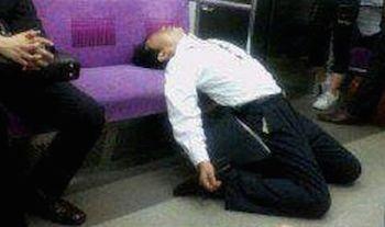 電車 居眠り 体に悪いに関連した画像-01