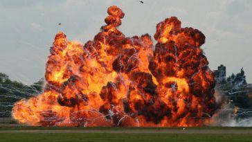 強盗 天罰 雷 爆発に関連した画像-01