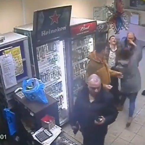 ロシア 女性店員 右ストレートに関連した画像-07
