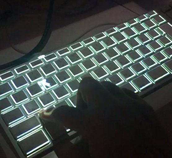 キーボード かっこいい おしゃれ 文字 キー 流れるに関連した画像-03