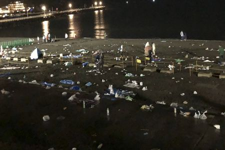 ゴミ 放置 江ノ島 花火大会 これが日本人に関連した画像-01