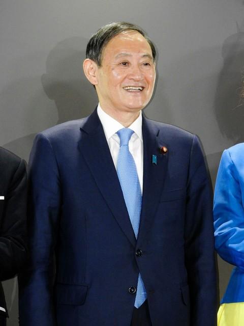 菅官房長官 令和おじさん ニコニコ超会議 赤面に関連した画像-03