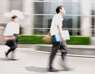 恋人 早歩き 男性に関連した画像-01