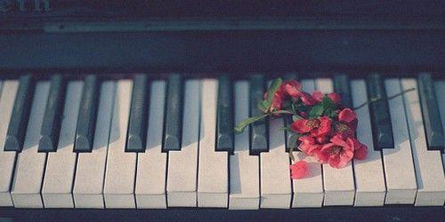 おばあちゃん 楽器 ピアノ 演奏に関連した画像-01