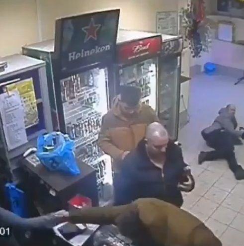 ロシア 女性店員 右ストレートに関連した画像-10