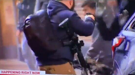 シアトル 暴徒 パトカー ライフル に関連した画像-05