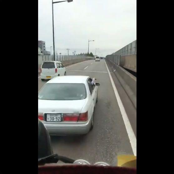 乗用車 危険運転 おっさんに関連した画像-04