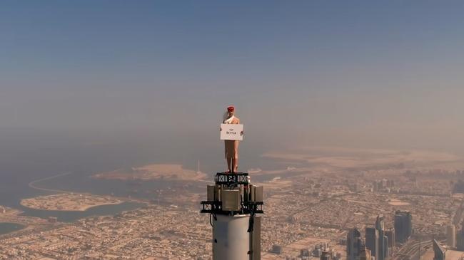 エレミーツ航空 CM ドバイ高層ビル ビルブルジュ・ハリファ 頂上 撮影に関連した画像-04