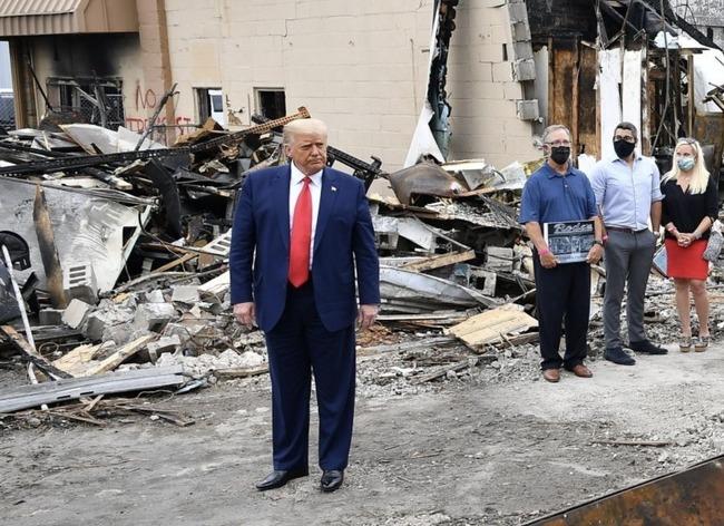 トランプ大統領 ウィスコンシン州 ケノーシャ 訪問 BLM暴動 戦場に関連した画像-04