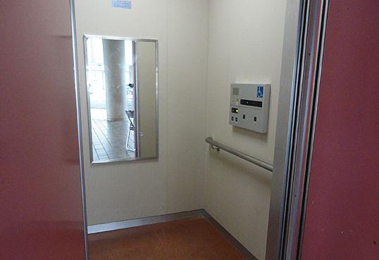 エレベーター 鏡 車椅子に関連した画像-01