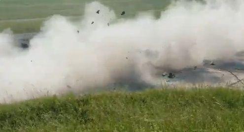 戦車 トップスピード 乗用車衝突に関連した画像-07