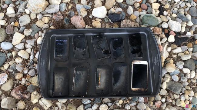 iPhone 燃やす 歴代 携帯 スマホ アップルに関連した画像-09