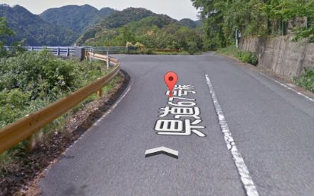 【恐怖】山口県でUMA発見!グーグルマップストリートビューに映り込む!!