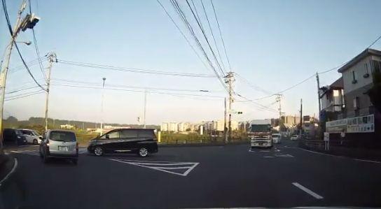 左折 右折 ドラレコ 運転 車に関連した画像-05