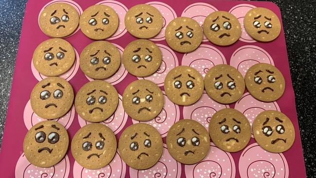 ぴえん クッキー ムカつく チーズケーキ 料理 砕くに関連した画像-02