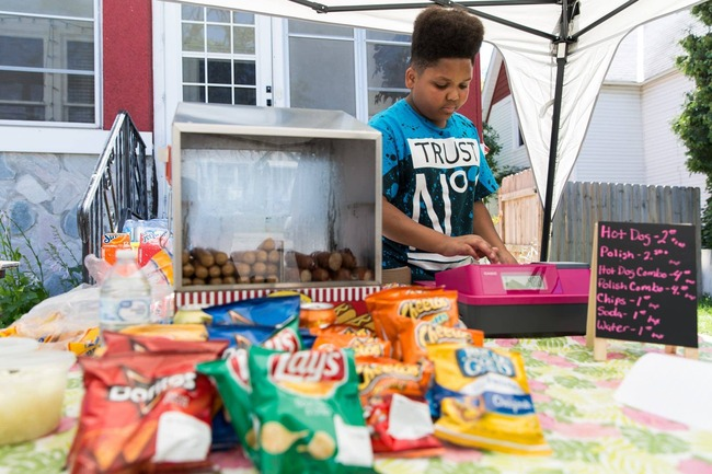 ホットドッグ ホットドッグ店 無許可 13歳 少年 営業 全面支援に関連した画像-01