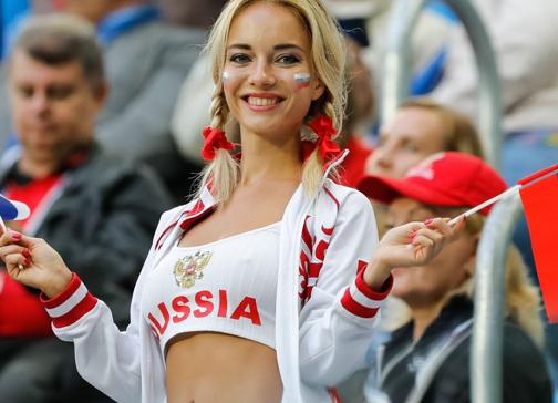 FIFA 性差別 人種差別 美女サポ W杯 差別禁止 に関連した画像-01