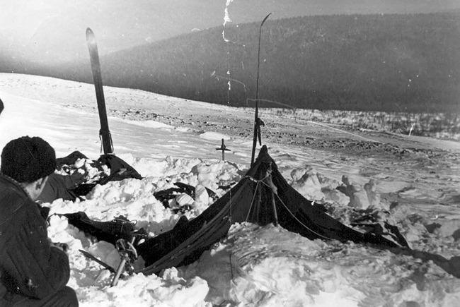未解決事件 ディアトロフ峠事件 科学的説明 研究 ソ連 雪山 若者 9人 不可解 死に関連した画像-01