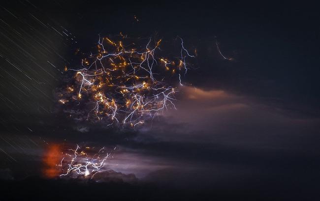写真 神々しい 火山噴火 稲妻 火山雷に関連した画像-09