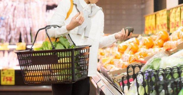 【悲報】レジ袋を有料化した結果、スーパーのカゴの盗難が6倍に増加